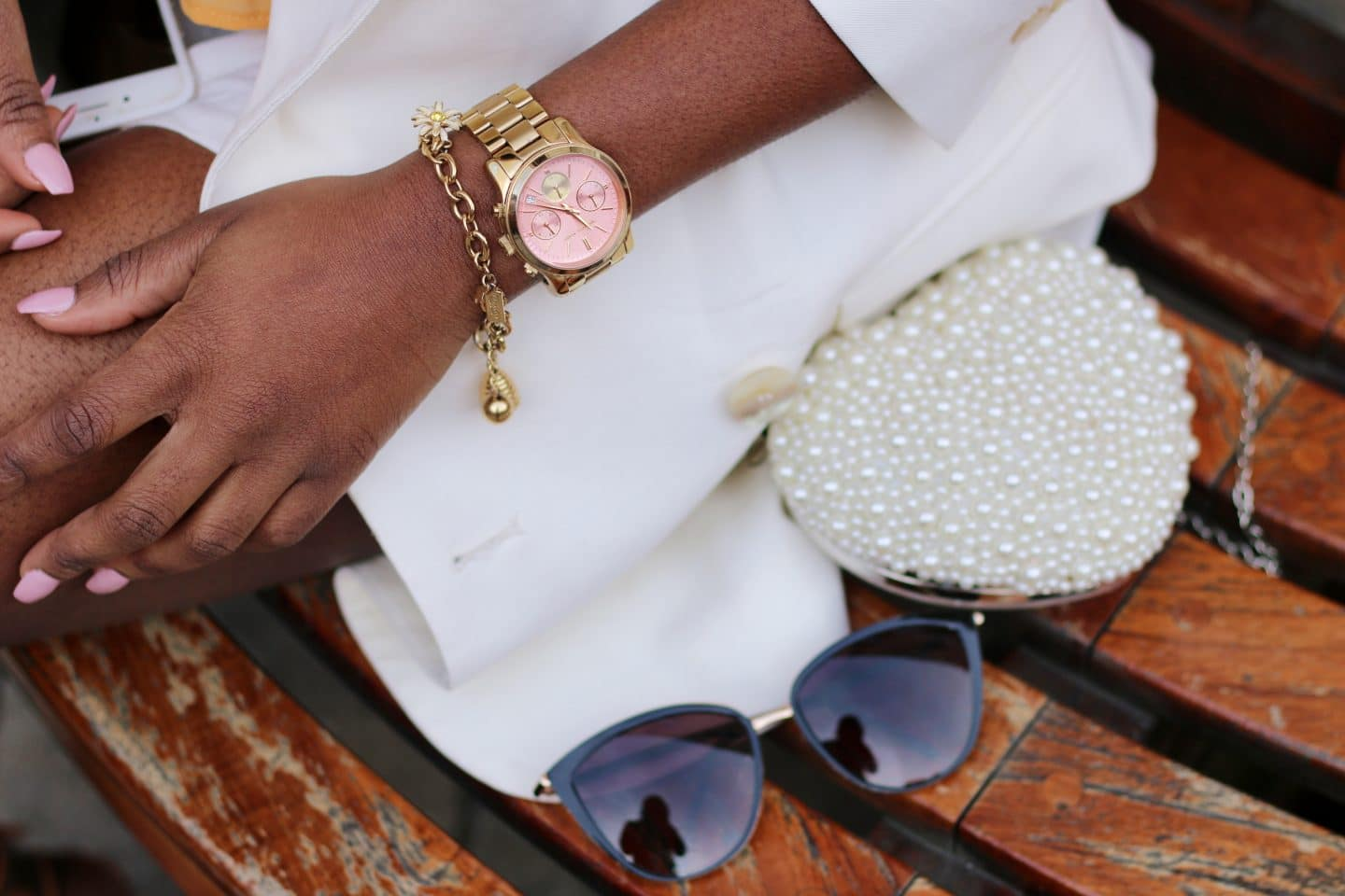 4 REASONS WHY A WHITE BLAZER IS THE PERFECT SUMMER OUTERWEAR