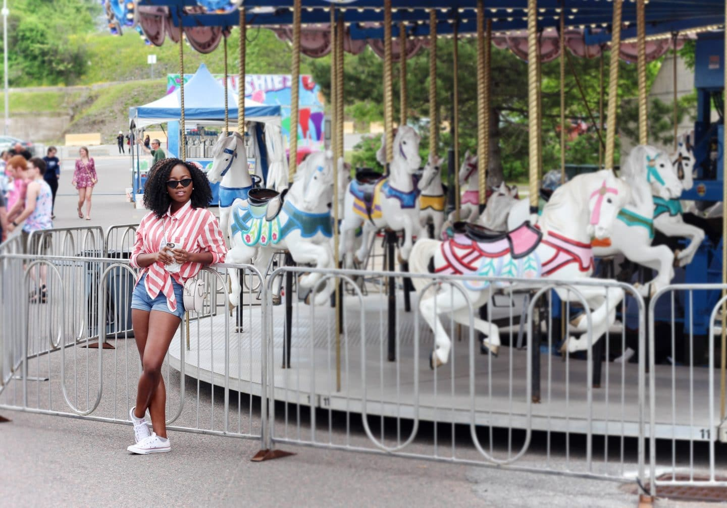 what to wear to an amusement park